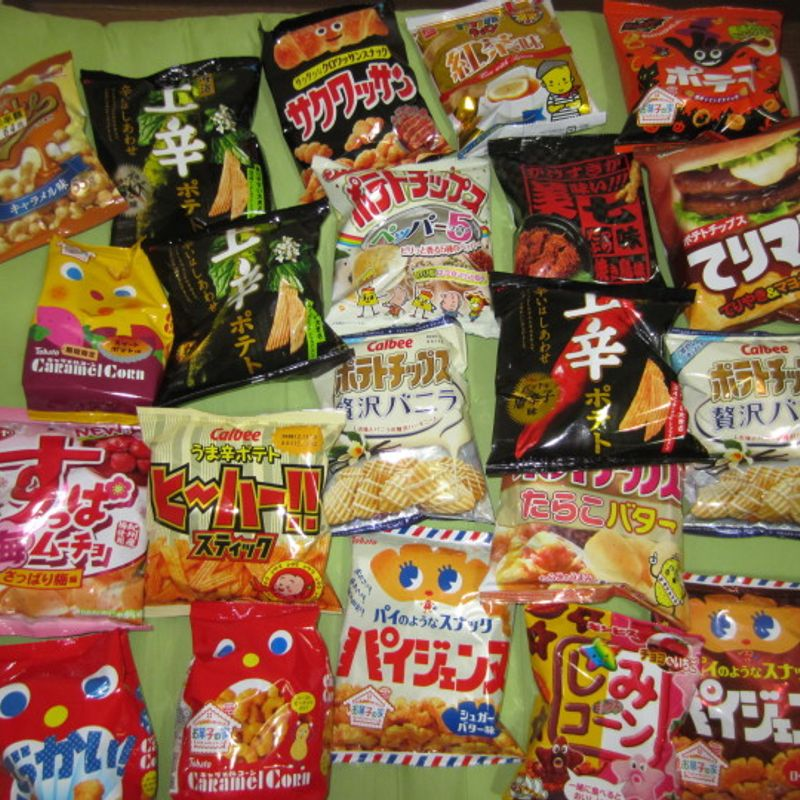 An Addiction: Time-Limited Japanese Snacks photo