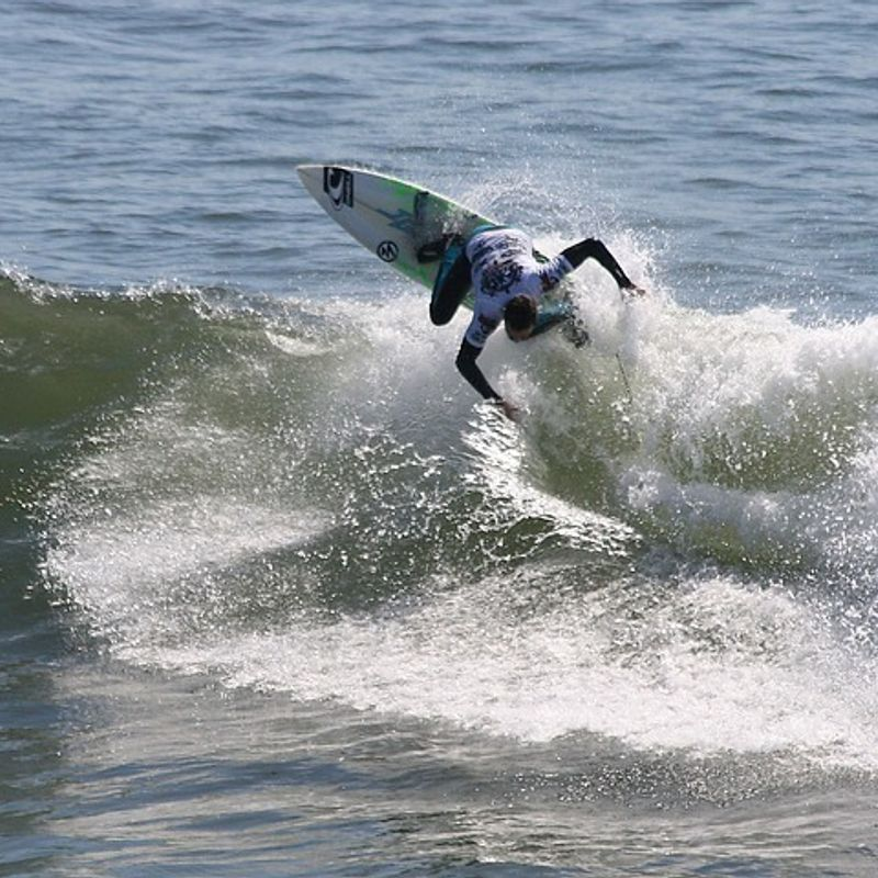 Why are there no Japanese surfers on the Championship Tour? photo