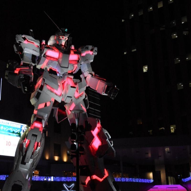 Gundam Unicorn statue unveiled in Odaiba, Tokyo photo
