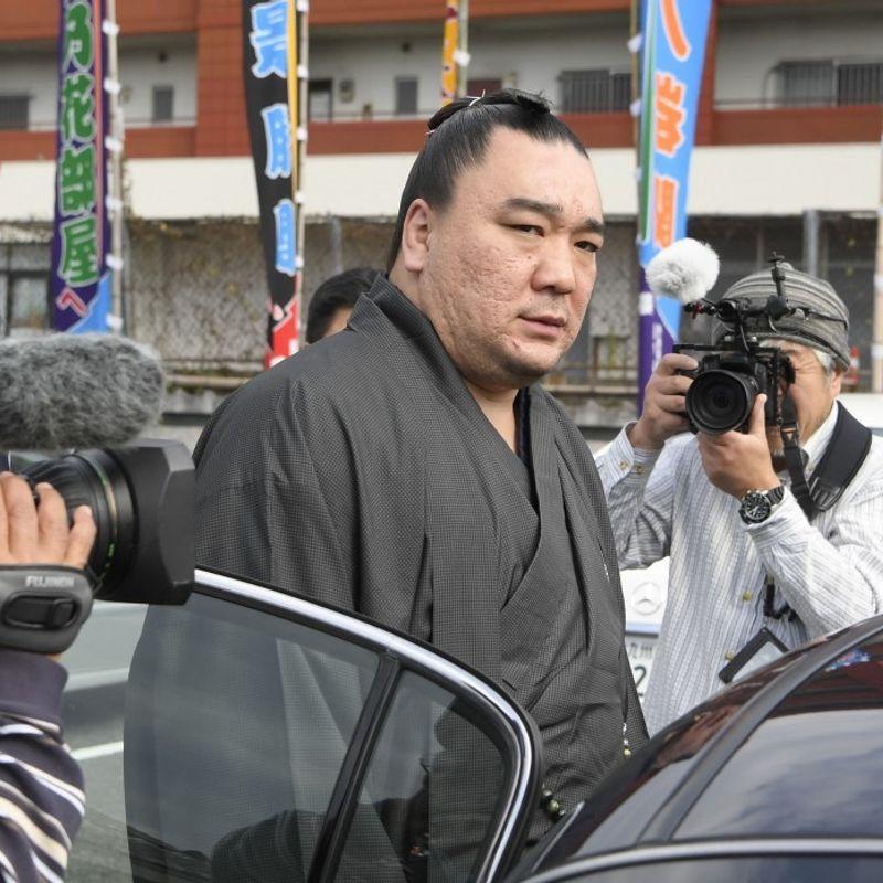 Retired sumo champ Harumafuji referred to prosecutors over assault photo