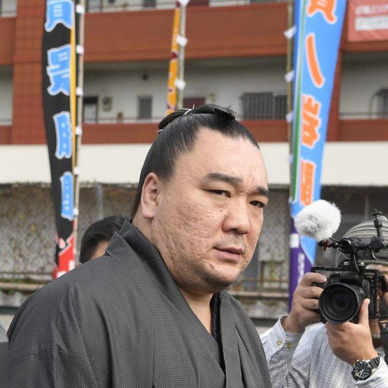 Grand champion Harumafuji to retire as sumo wrestler photo