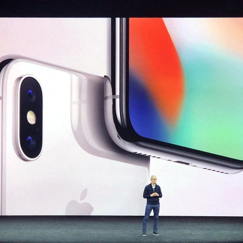Apple rolls out iPhone X, iPhone 8 photo