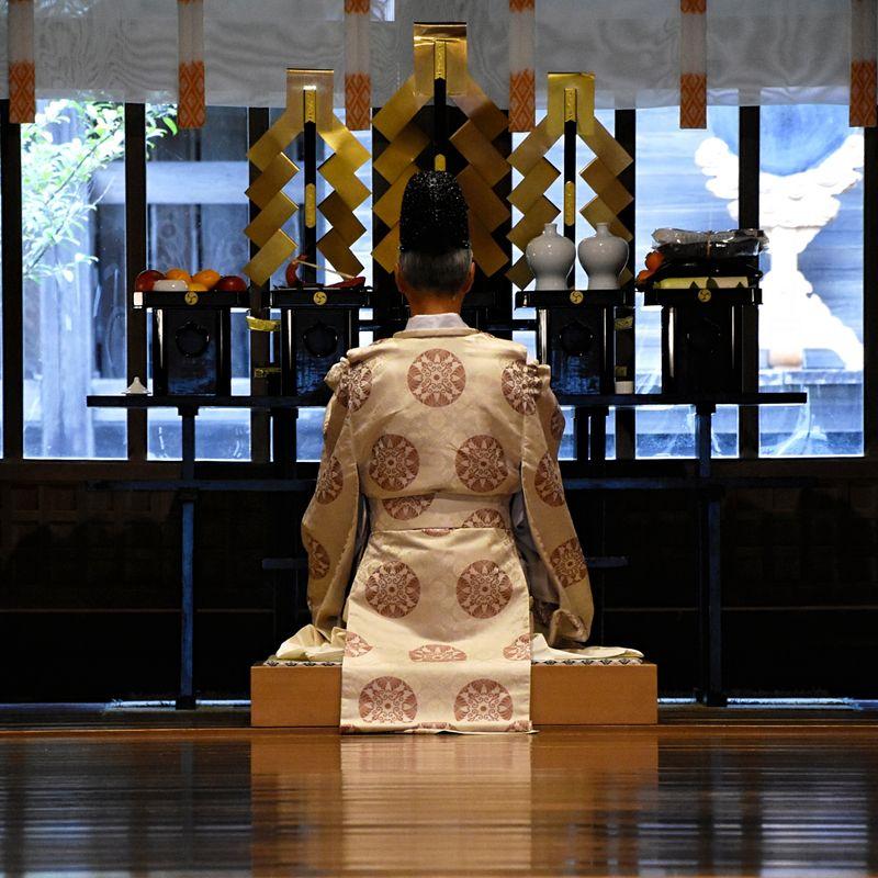 An invitation to remember: Overnight at Okuni Shrine, Shizuoka photo