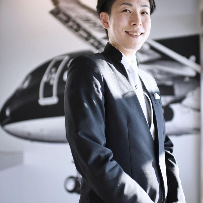 Male cabin crew increasingly taking flight in Japan photo