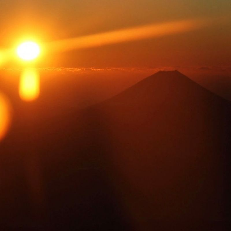 GALLERY: Bird's eye view of year's first sunrise, Mt. Fuji photo