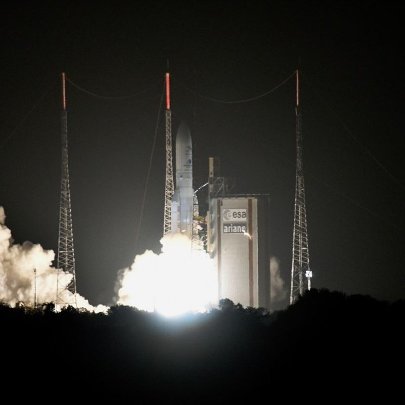 Japan, Europe launch space probes to survey Mercury photo