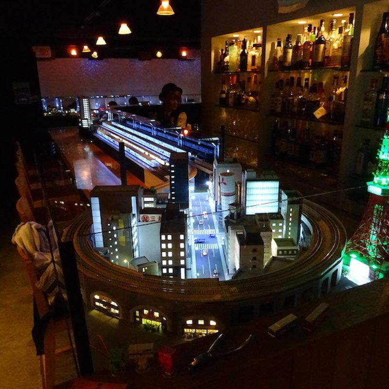 Tokyo model-railway bar reveals all-new counter diorama photo