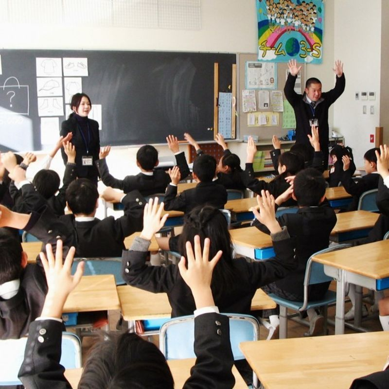 Native speakers in demand as Japanese schools step up English lessons photo