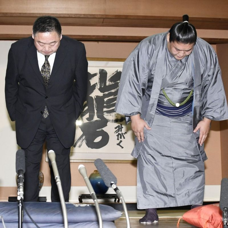 Japan's ancient sport plagued by violence over scandal-tainted year photo