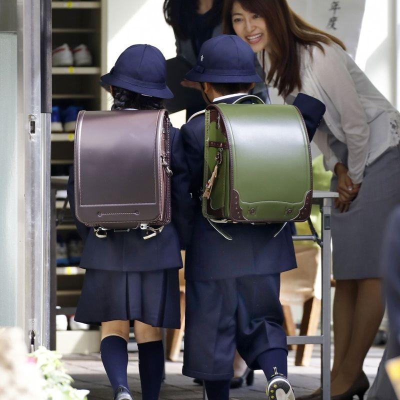 ファッション・フォワード・スクール、子供の初日の安全確保を強化 photo