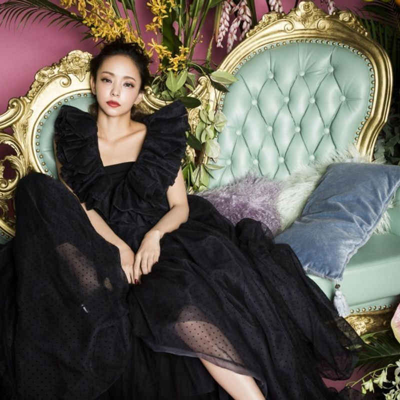 日本の歌手安室奈美恵が来年9月にショーをやめる photo