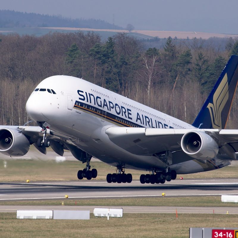 Singapore to Tokyo:  How much do the flights cost? photo