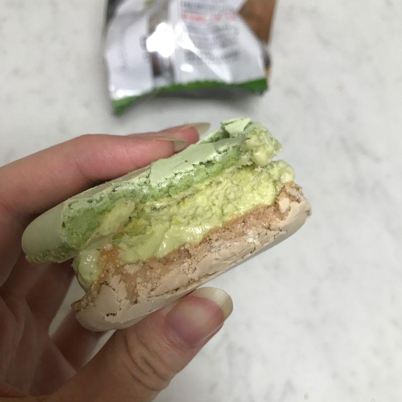 Pistachio Ice Cream Macaron from 7-Eleven photo