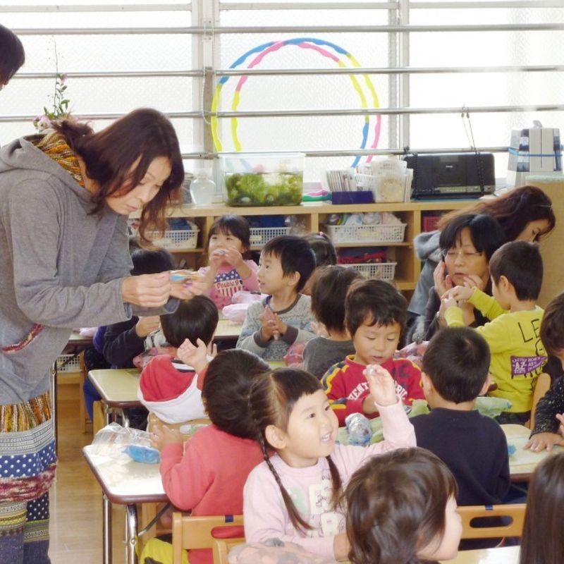 安倍氏は、企業に育児支援を拡大するための費用の一部を負担するよう求める photo