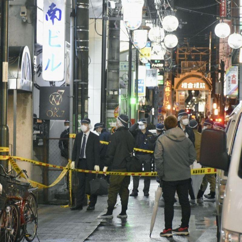 2 men in coma after shooting at Osaka gambling den, suspect at large photo