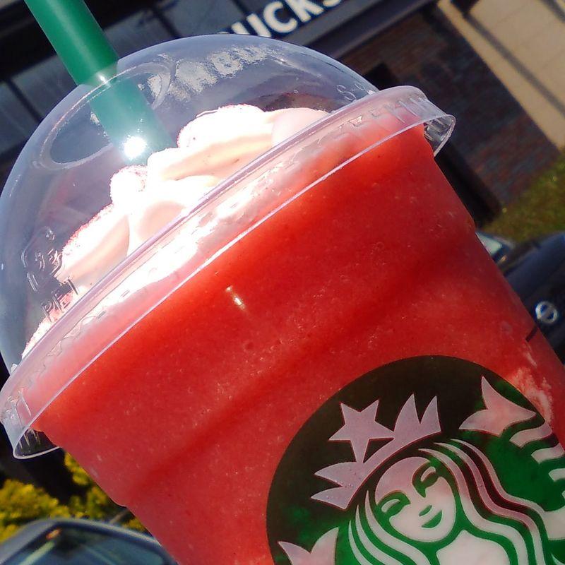 Starbucks Strawberry Frappuccino photo