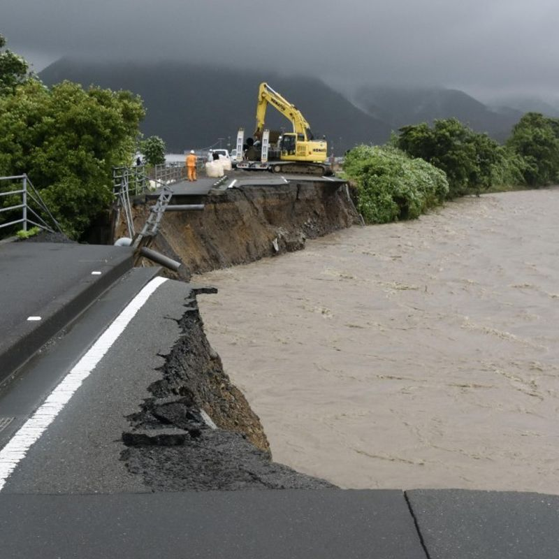 2 dead, 5 missing as heavy rain hits wide areas of Japan photo
