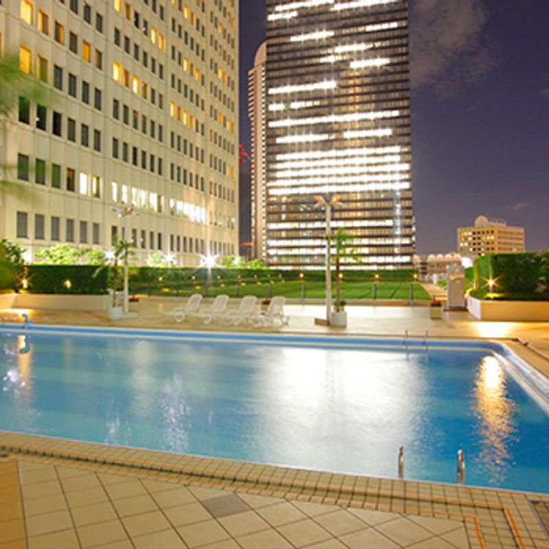 Tokyo's Best Outdoor Hotel Pools for Summer 2016 photo