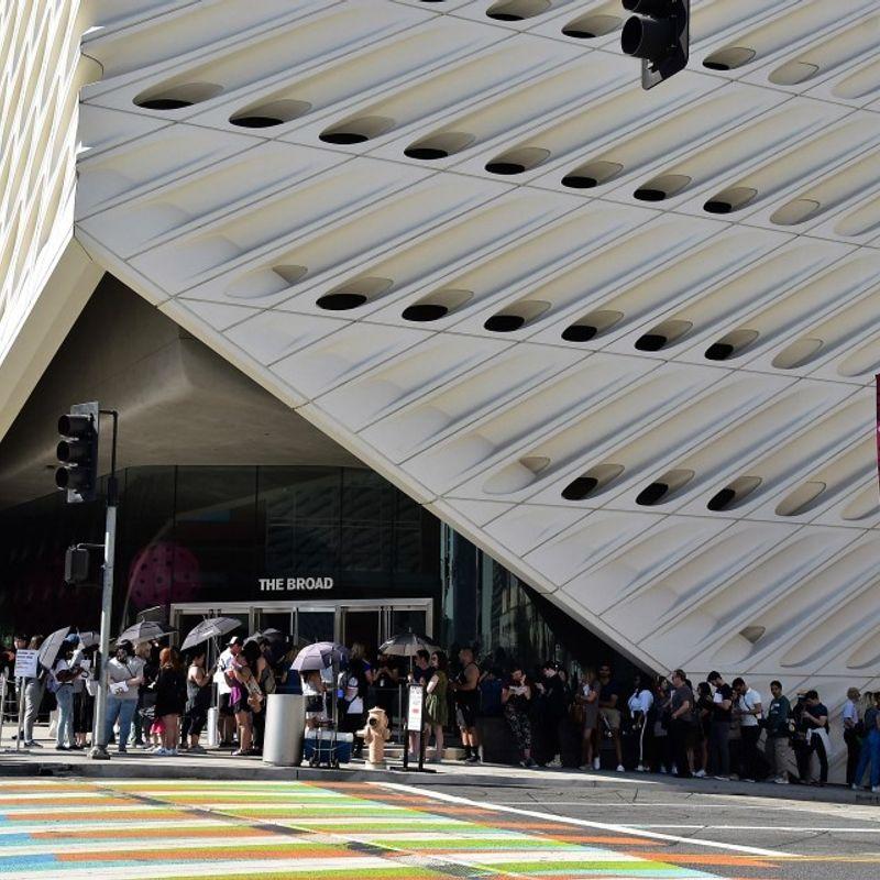 Yayoi Kusama's LA exhibit drawing enthusiasts photo