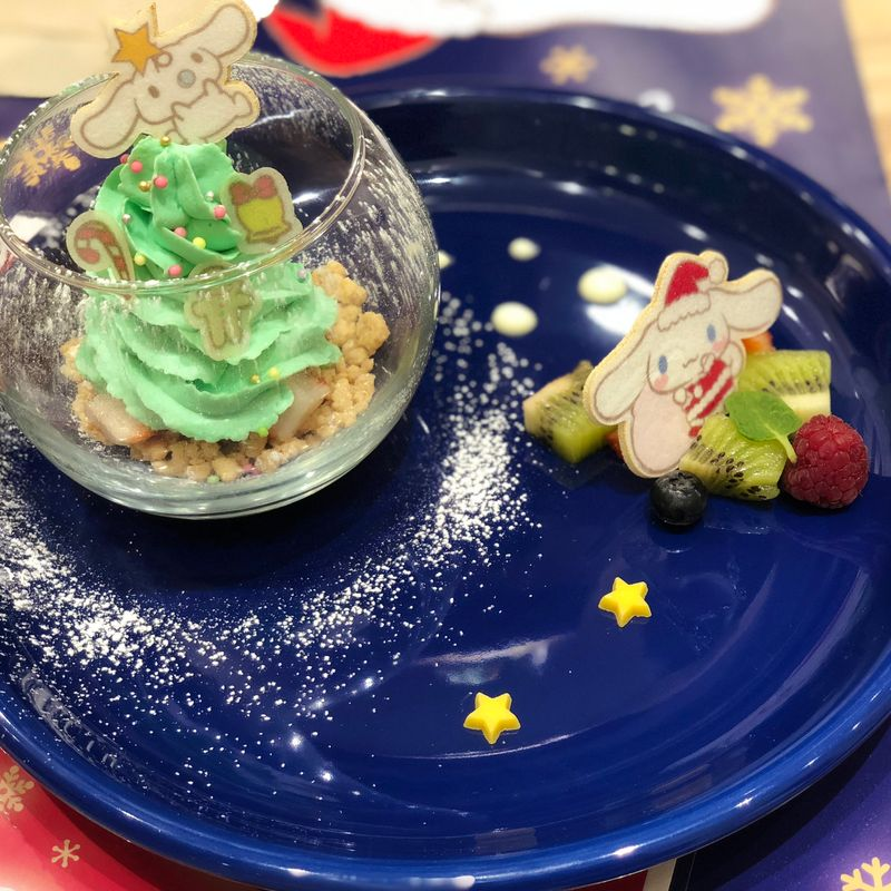 Enjoying Japanese and German Christmas food in Japan photo