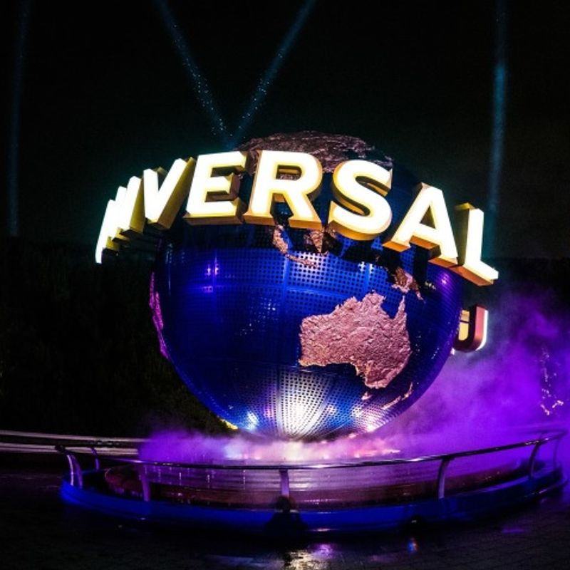 How much does it cost to travel from Tokyo to Universal Studios Japan? photo