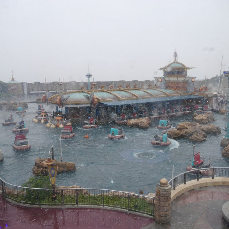 A snowy DisneySea (and its magical surprises) photo