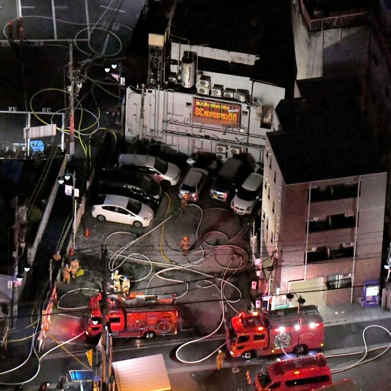 4 killed in fire at Saitama sex service parlor photo