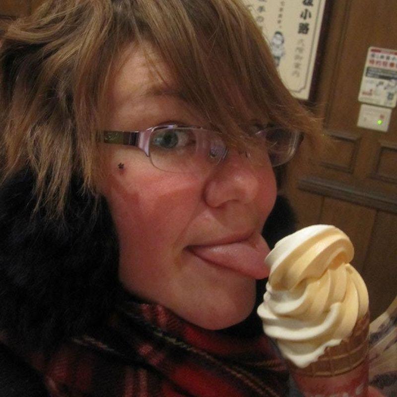 私たちは皆柔らかく召し上がれたアイスクリーム photo