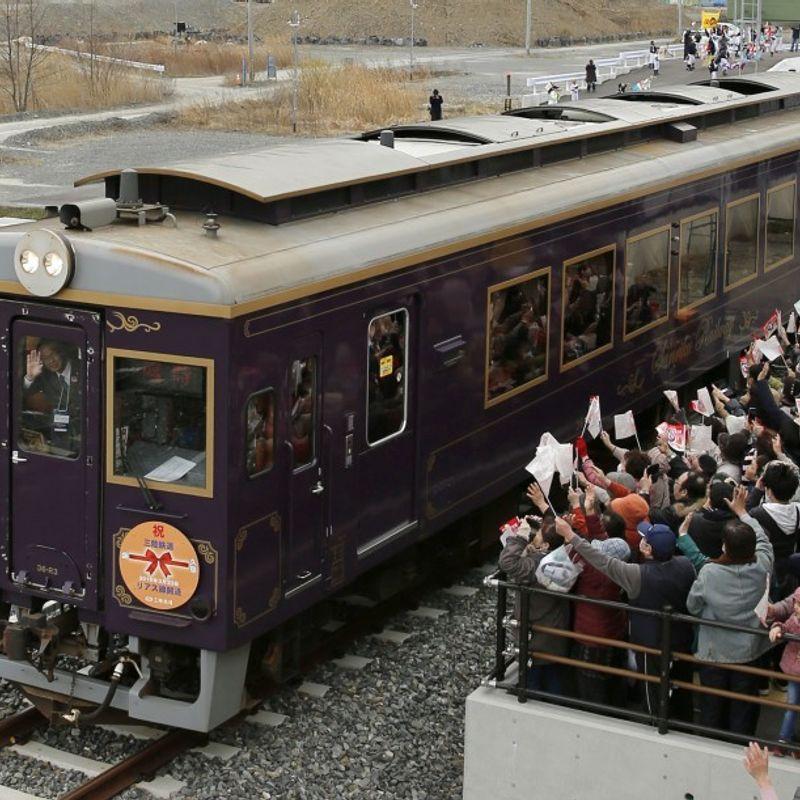 Tsunami-hit railway in northeast Japan resumes regular operation photo