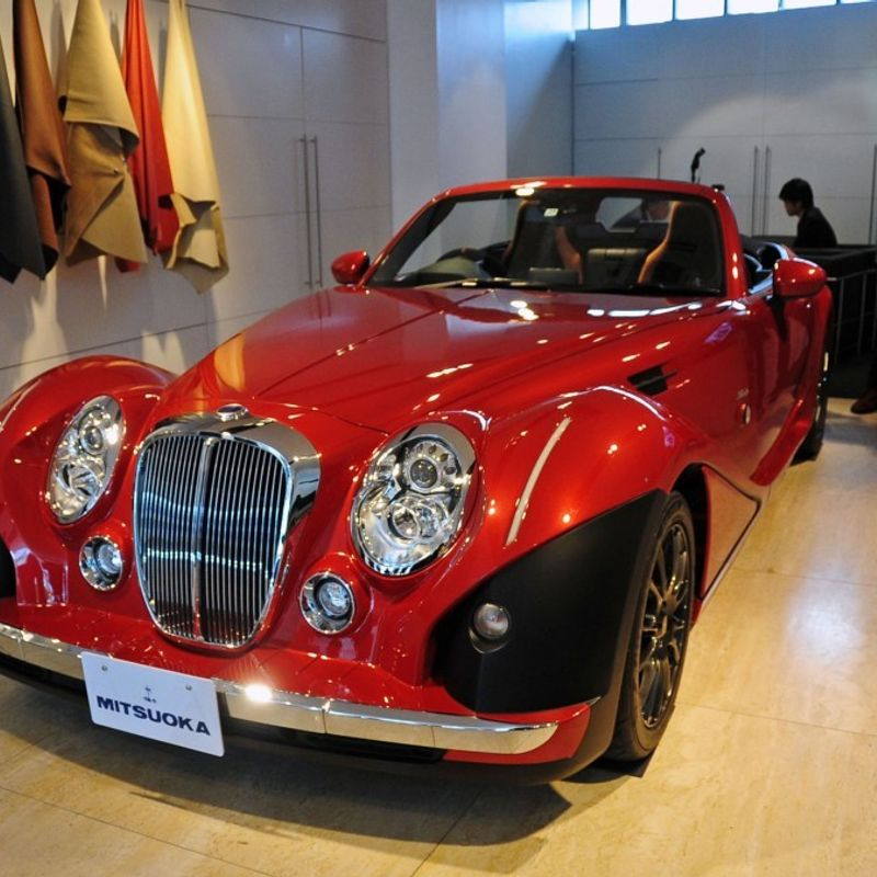 Japan's retro car maker unveils fully restyled Mitsuoka Roadster convertible photo