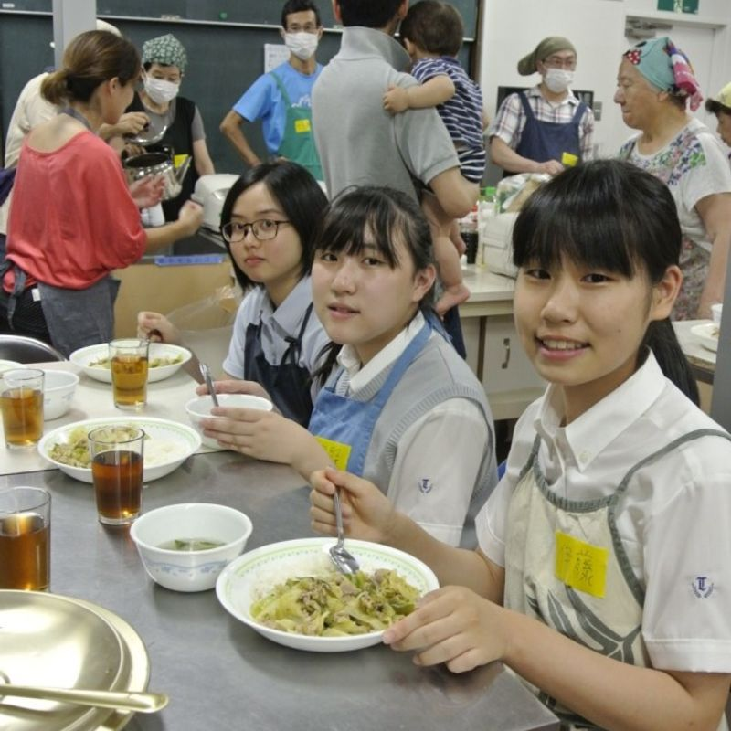 Children's cafeterias booming in Japan, but neglected kids still big issue photo