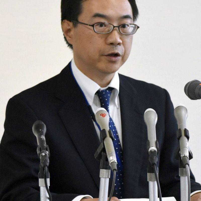 2 die after man attacks police box, steals gun in central Japan photo